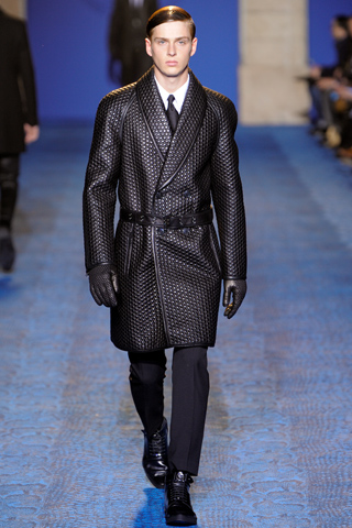 Versace Fall Winter 2011 Menswear Show Look 3