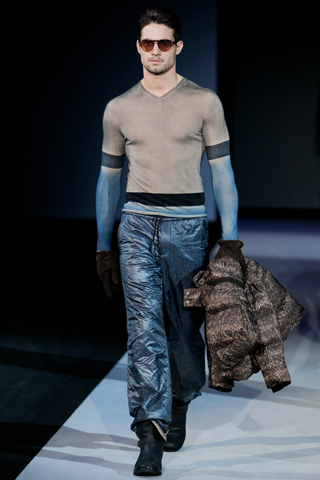 Giorgio Armani Fall Winter 2011 Menswear Show Look43