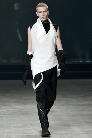 Rick Owens Fall Winter 2011 Menswear Look 35