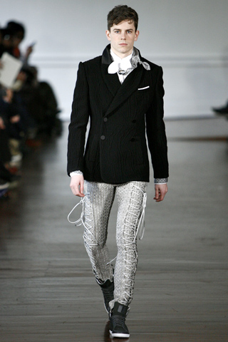 Alexis Mabille Fall Winter 2011 Menswear Show Look 19