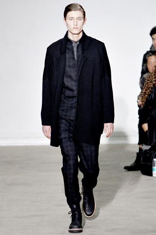 Kris Van Assche Fall Winter 2011 Menswear Show Look 27
